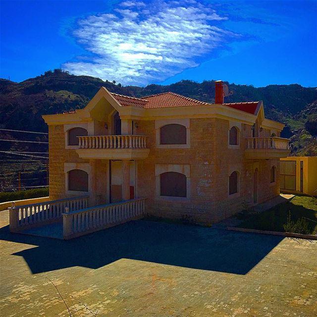Lebanon houses architecture laklouk ehden ... (El Laklouk, Mont-Liban, Lebanon)