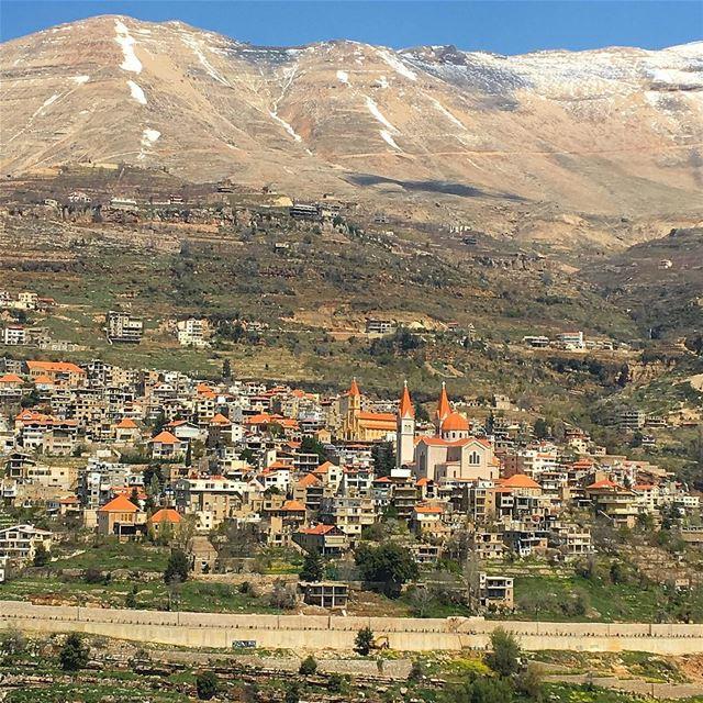 beirut whatsuplebanon wearelebanon beirutnights beirutsouks ... (Bcharreh, Liban-Nord, Lebanon)