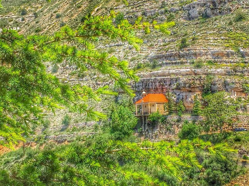 Have a happy blessed Sunday ☀️😎 livelovebeirut wearelebanon lebanon... (Akoura, Mont-Liban, Lebanon)