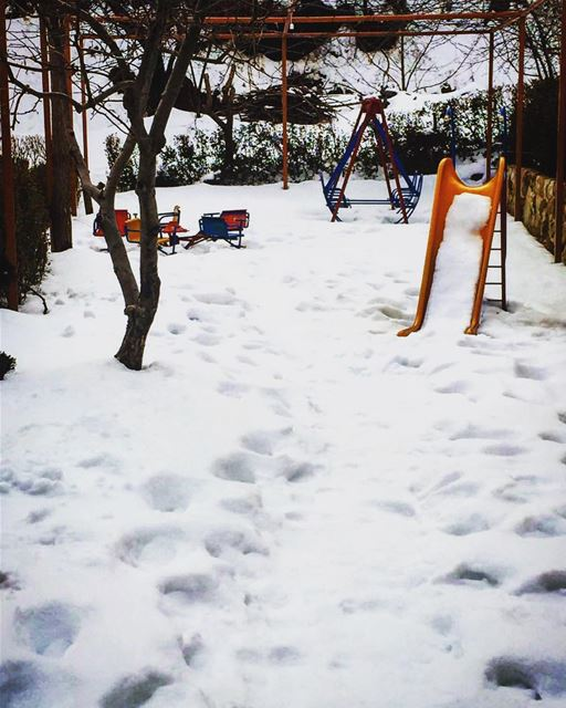 saturday morning peace snow winter kids playground lunch tasty ... (Jalsat Resto - Mayrouba)