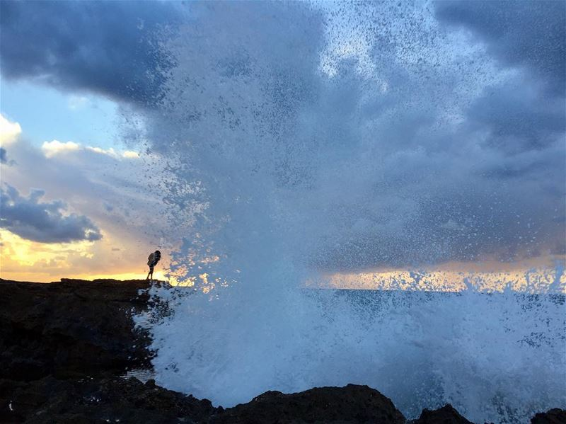 A moment before the shower!.... waves storm sunset clouds winter ... (Batroûn)