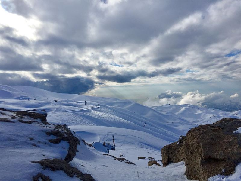 Best way to begin 2017! fresh snow, good weather and skiing.......... (Mzaar Ski Resort Kfardebian)
