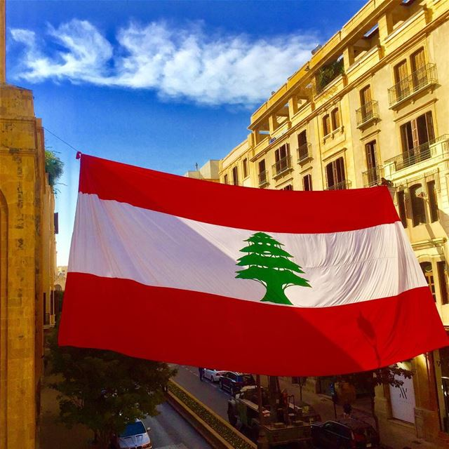 Lebanese flag livelovebeirut beirut beirutpage streets_of_lebanon ... (Foch Street)