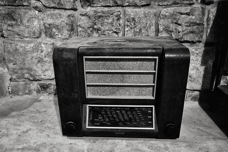 oldbutgold OldRadio Oldradios Old radio blackandwhite Black White ...