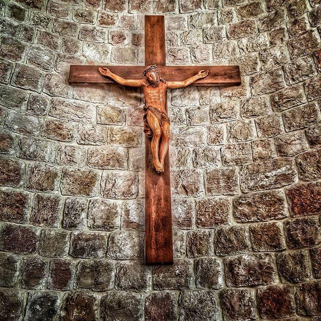 holyfriday goodfriday jesus jesuschrist jesusonthecross cross ... (سيدة بشوات-دير الاحمر)