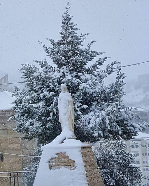 Zahle zahlelebanon snow jesus 2016 blessed tree like4like ... (Zahlé, Lebanon)