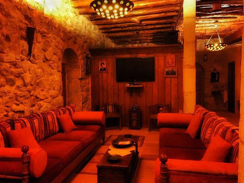 oldhouse jbeil byblos lebanon proudlylebanese livelovelebanon ... (Byblos, Lebanon)
