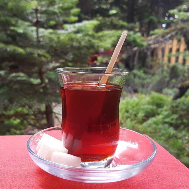 هو كوبٌ من الشاي ....هي قطعهٌ من السكر هي لا يذيبها الا هو ....وهو لا يصبح