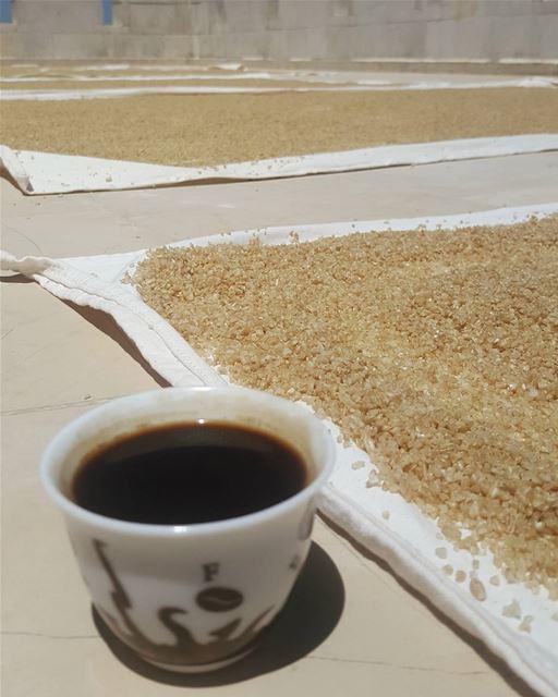 أطيب قهوه مع المونه اللبنانيه 😋الله يبارك .... قهوتي_الان قهوتي قهوه ...