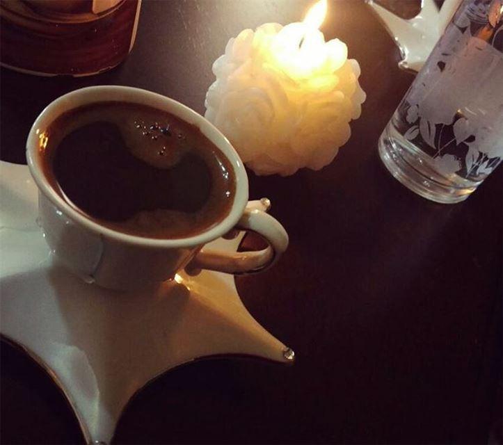 لطالما سهرنا الليالي نفكر في أشخاص نائميين قهوة قهوتي قهوتي_الان روقان