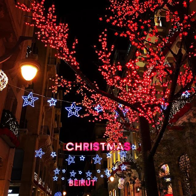 Christmas 🎄 and Beirut mix so well.. design livelovearchitecture ... (Downtown, Beirut, Lebanon)