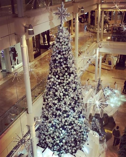 christmas decoration at @abclebanon.. christmas2016 decor ... (ABC Mall Achrafieh)