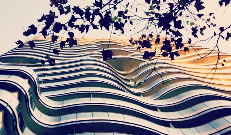 Waves 🌊 up in the sky 🌌.. building modern modernliving ... (Downtown, Beirut, Lebanon)