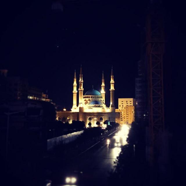 DT at night.. lebanon beirut mosque beautifuldestinations ... (Beirut, Lebanon)