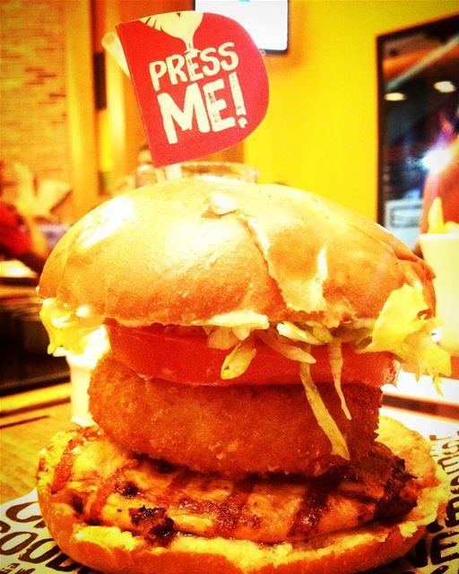 chickenpress chickenpressburger deekduke chicken food foodporn ... (Deek Duke , Ashrafyeh)
