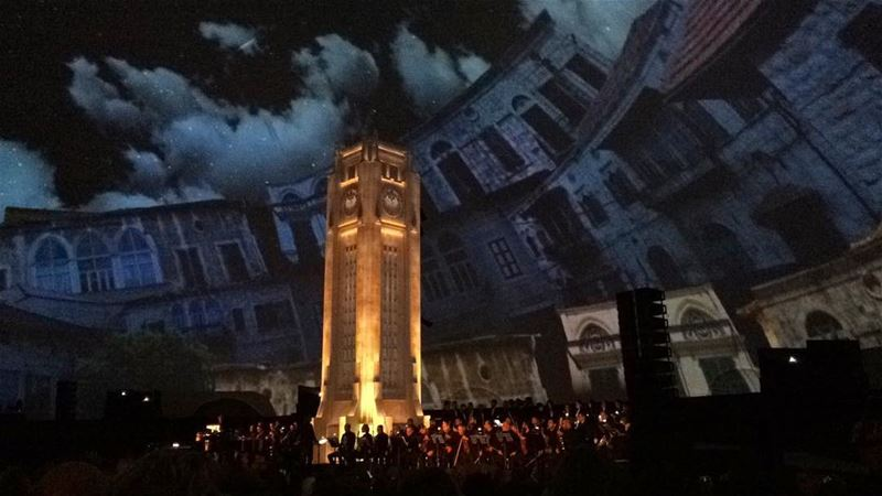 One of the most stunning shows ever seen! Incredible 3D artwork, music by...