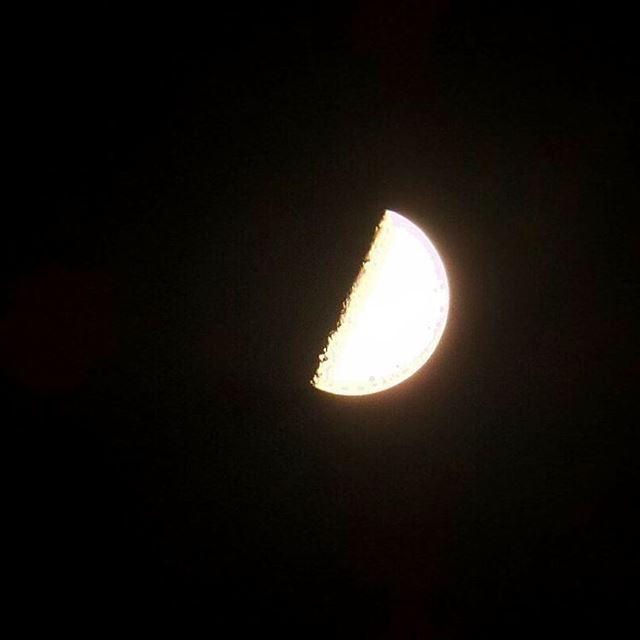 halfmoon moon night darkness astro astrophotography ... (Mejdlaya-Zgharta)