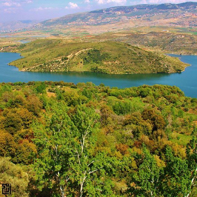 proudlylebanese livelovebeirut wearelebanon ig_lebanon insta_lebanon... (Lake Qaraoun)