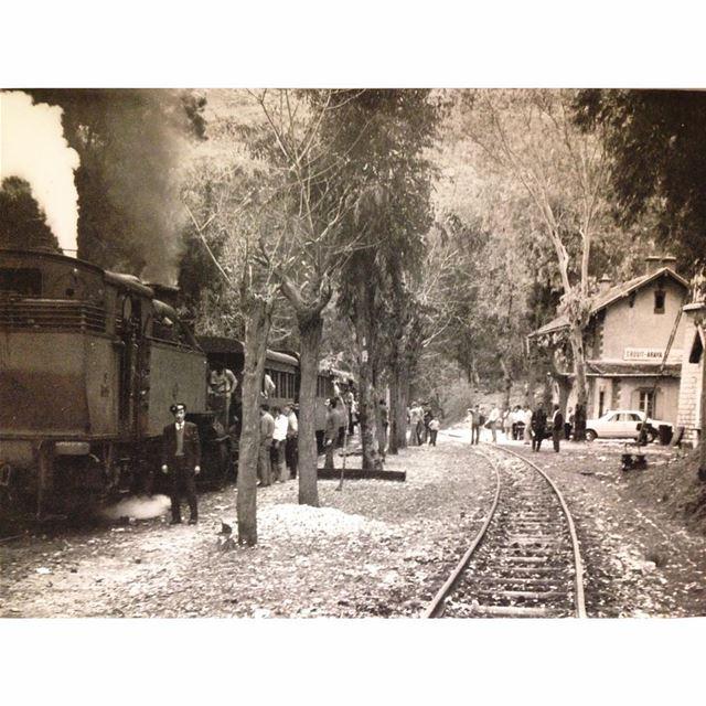 عاريا محطة القطار عام ١٩٦٧
