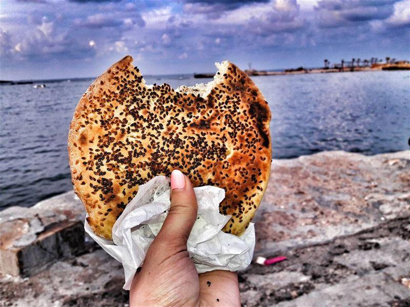 Ka3ketna atyab ka3keh 😋__________________________________... (Mina Beach)