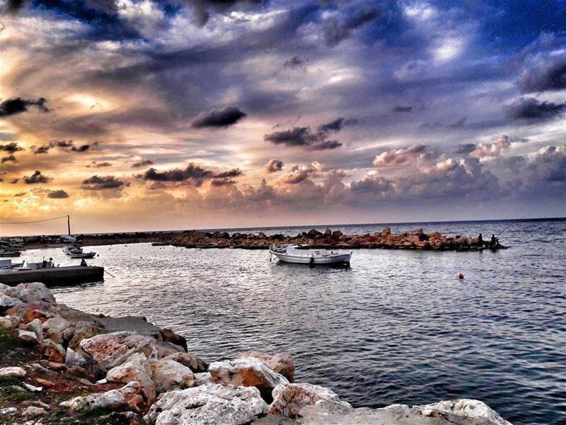 I think i need a sunrisei'm tired of the sunset ⛅⛅... (Al Mina', Liban-Nord, Lebanon)