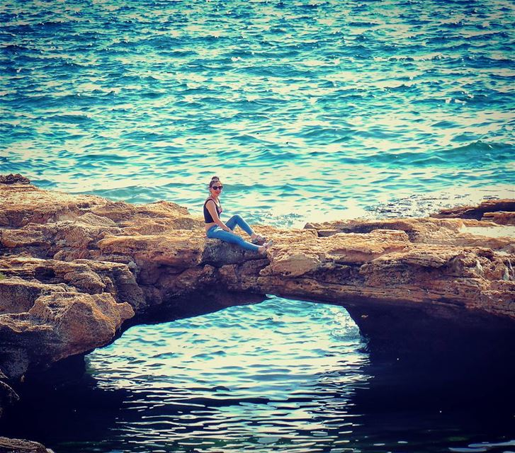 It's one of the most serene,peaceful places you can imagine😎😍✌🌊🌞🐟🐬🐳 (Anfeh Sea Shore)