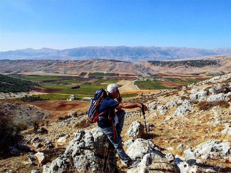 hiking explorelebanon livelovelife livelovelebanon livelovelaugh ... (Kfarmechkî, Béqaa, Lebanon)