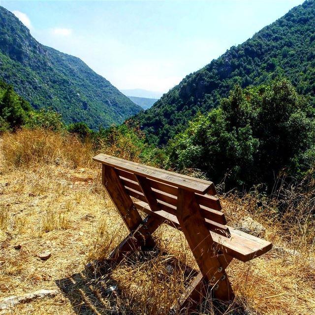 hiking explorelebanon livelovelife livelovelebanon livelovelaugh ... (Kfardebian)