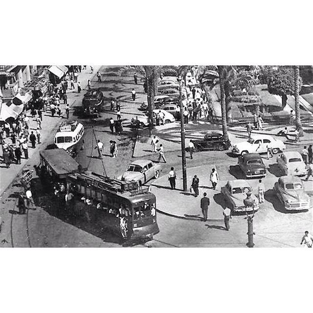 الترمواي في ساحة البرج بيروت عام ١٩٥٥