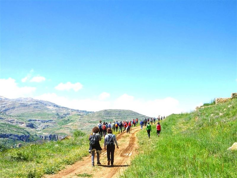 hiking  explorelebanon  livelovelebanon  earth  earthenergy ... (Hrajel)