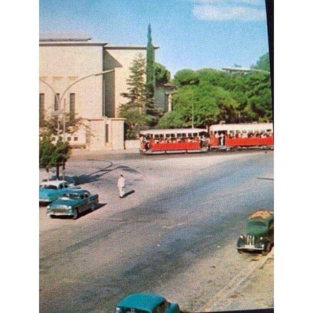 ترمواي بيروت بالقرب من المتحف عام ١٩٥٤