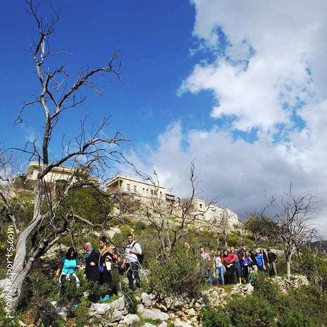 hiking trails travel adventure discover explore green culture ... (Mazraat Al Touffah)