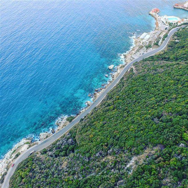 A thin line between the green and the blue! Lebanon super_lebanon ... (Saydet El Nourieh)
