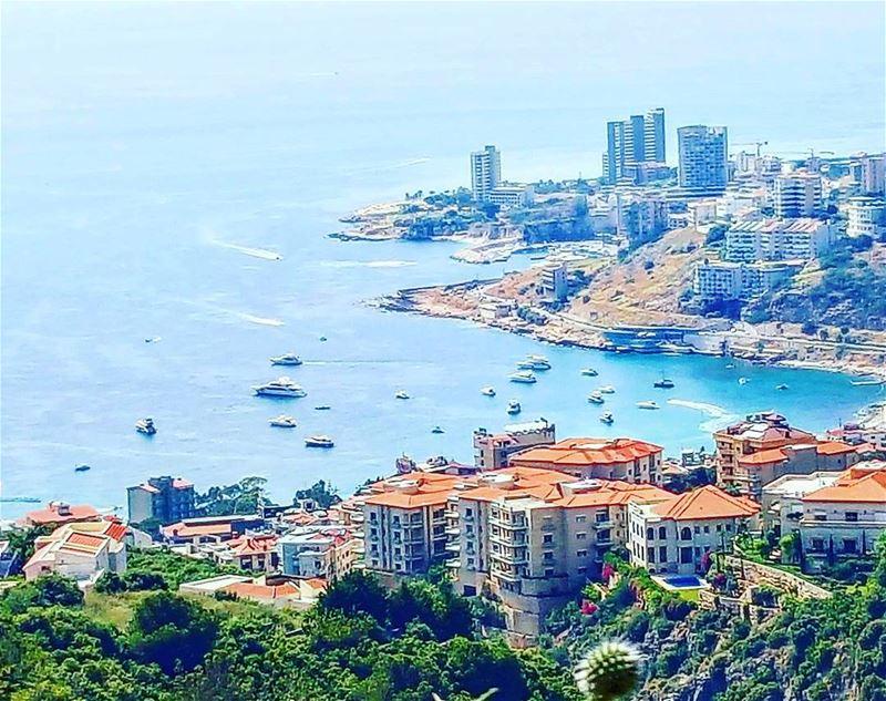 Summer time, boats gathering at jounieh bay Lebanon super_lebanon ... (Chnanhaïr, Mont-Liban, Lebanon)