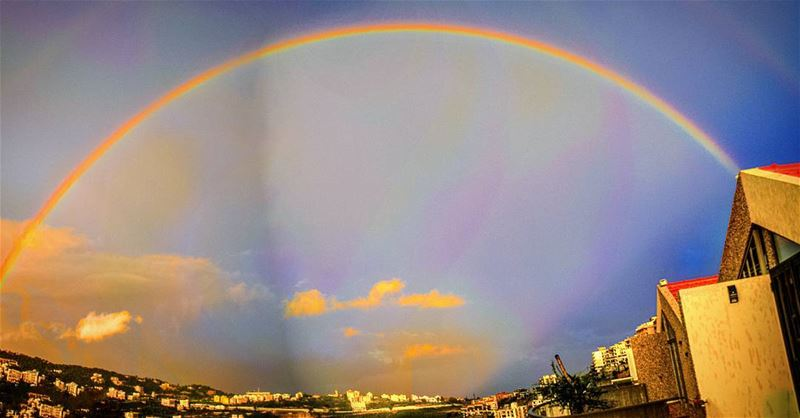 Last rainbow from my rooftop before this good weather Lebanon ... (Mansourieh Daychounie)
