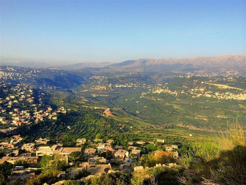 A beautiful day! mountains mountain valley bluesky sky clearsky ... (Mazraat El chouf)