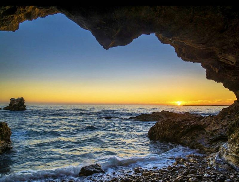 Beyond the sunset... ... (Kfarabida Batroun)