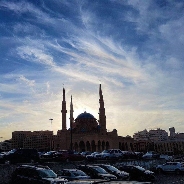The art of nature💞💕 sky clouds artofnature downtownbeirut mosque ... (Beirut, Lebanon)