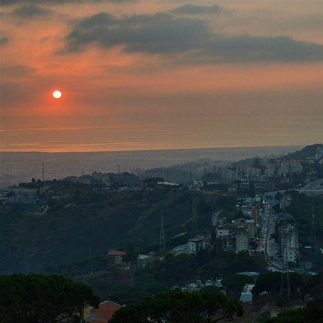 Beautiful sunset ❤❤ beautyofnature naturephotography sunset photoshoot... (Araya, Mont-Liban, Lebanon)