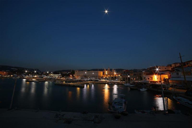 أنا خوفي من عتم الليل و الليل حرامي... batroun oldport sea sky boat ... (Batroûn)