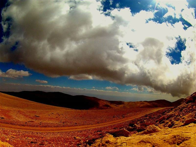 stunning view lunchtime amazing lebanese mountain keephiking ... (Kornet El Sawda)
