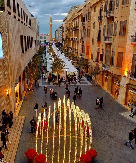 Its christmas all around🎄🎄🎄❤❤ wonderfultimeoftheyear ... (BeirutSouks)