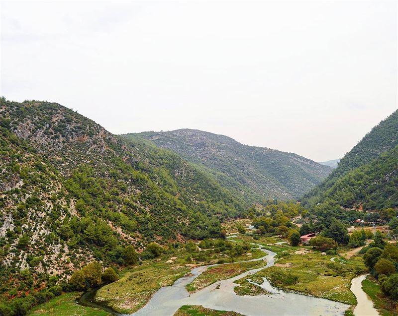 Hello lebanon❤❤ naturelovers naturephotography valleys river ... (Ouyoun El Samak)