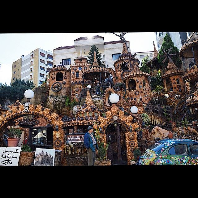 Having coffee n this  cute  artificial grotto in  bchamoun  onlyinlebanon ...