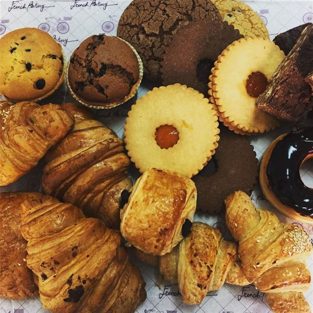 freshly  baked  croissant  muffins  sablé  donuts  cookies  lazycake ... (Fanar-French Bakery)