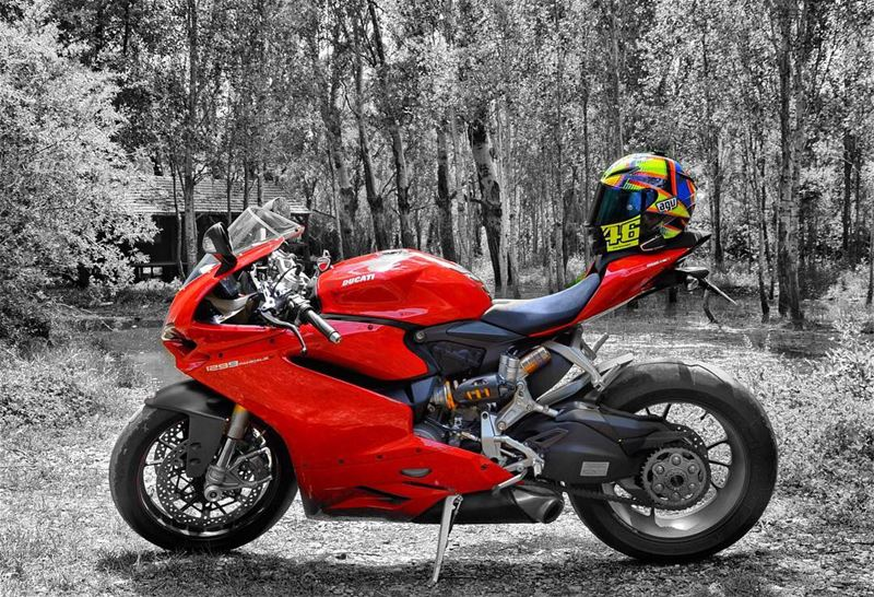 Red Spice! 🌶 BySaraElDana ducati bikelife panigale bikersofinstagram... (Lebanon)