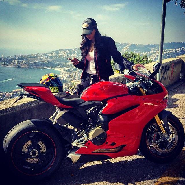 I'm one of those girls! 🏁 Panigale1299s Ducati 1299s BikerChick ... (Harîssa, Mont-Liban, Lebanon)