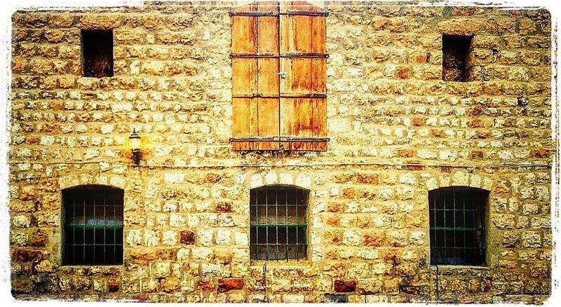 taanayelmoment nature lebanesevillage mountains door windows wood ... (Deïr Taanâyel, Béqaa, Lebanon)