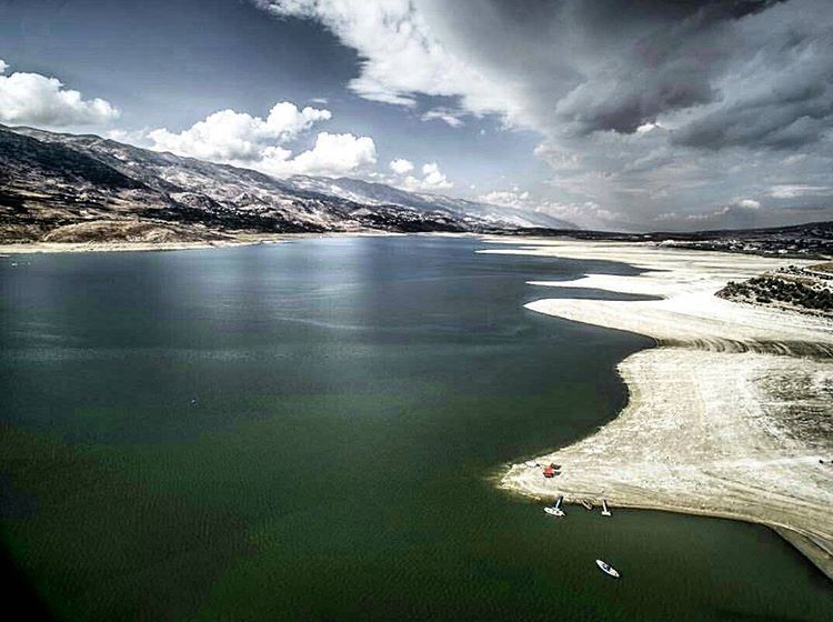 @riseabovelebanon took this amazing photo of qaraaoun lake! ... (Qaraaoun, Béqaa, Lebanon)