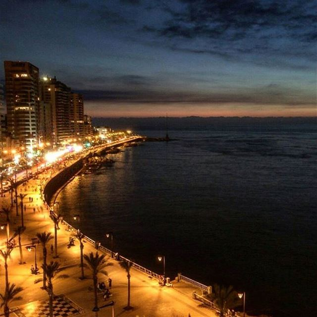 Friday night at Ain el Mrayseh. @elieghob thank you for the amazing view !...